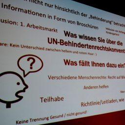 Eine Präsentationsfolie zum Thema UN-Behindertenrechtskonvention